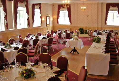 Quality Hotel Coventry Details Pink Wedding Days